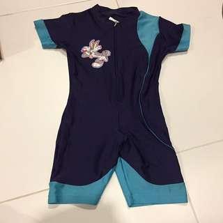 Looney tunes boy size 2 swimwear (Foc normal postage)