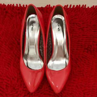 VNC Glossy Heels