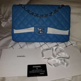 Authentic chanel jumbo double flap..