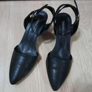 🚚 黑 低跟 尖頭鞋