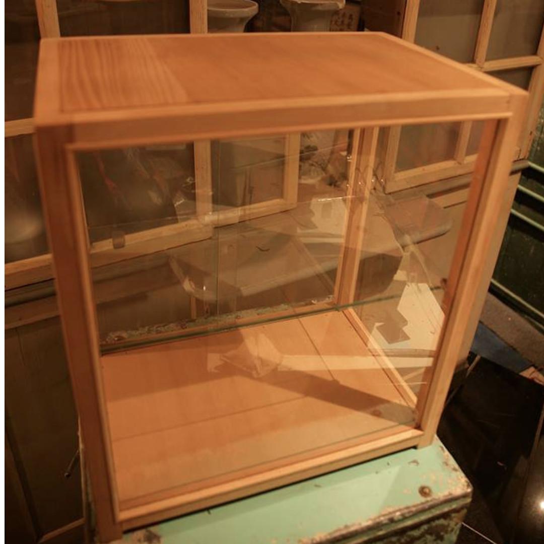 檜木 玻璃展示櫃  39.5 x 29.5 x 高45公分