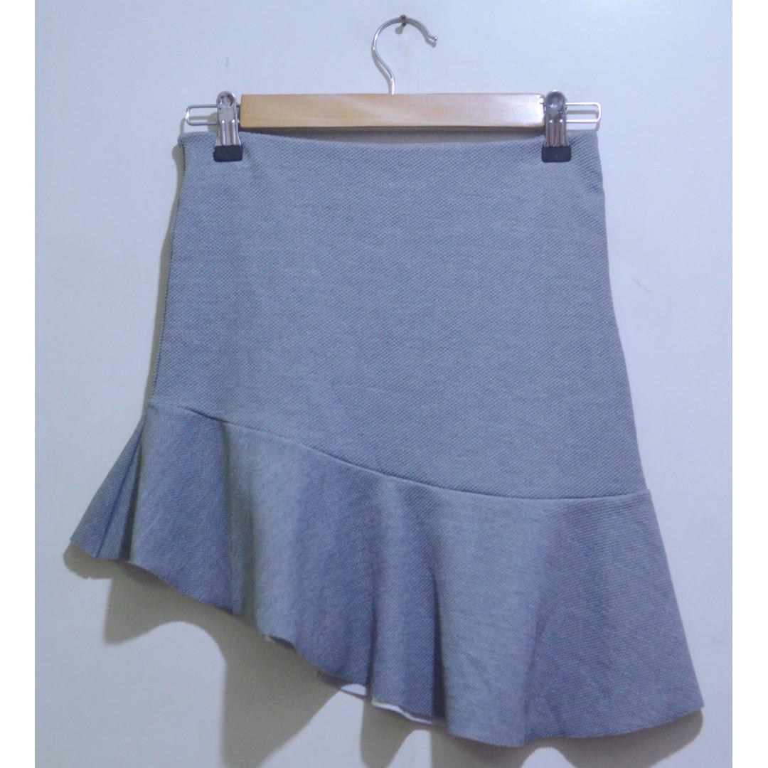 Asymmetric Hem Flounce Skirt