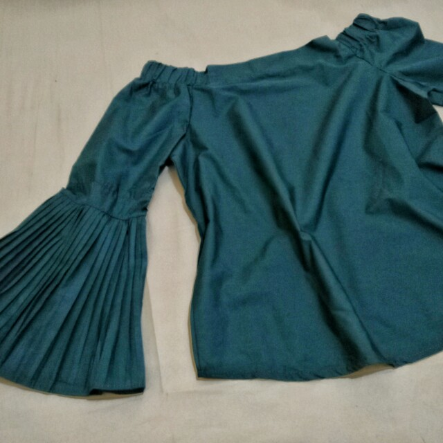 Bkk Emerald Bell Off Shoulder