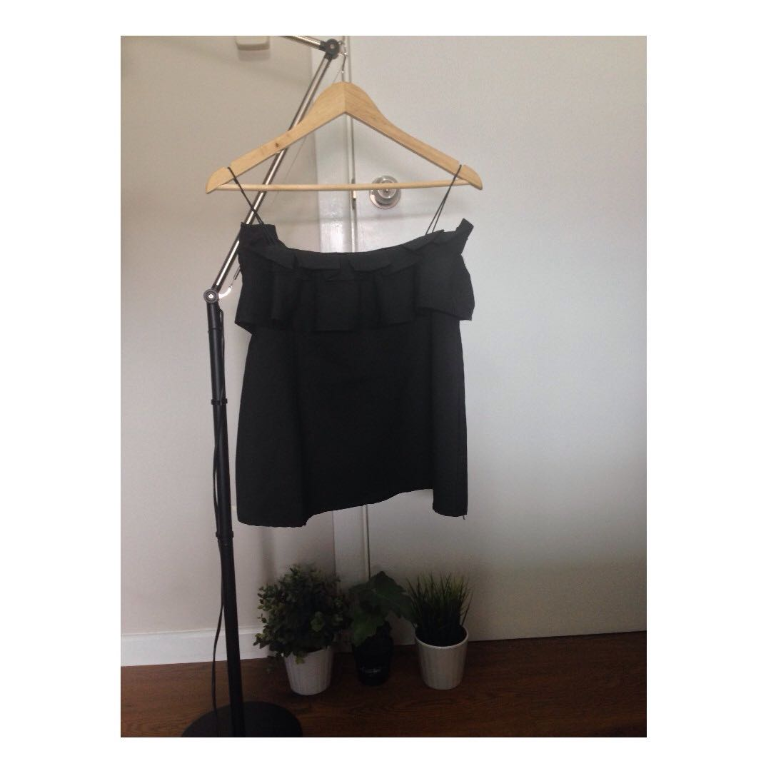 Black Ruffle Slip-on Top (Size: S)