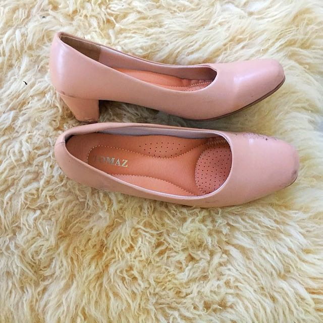 COMFY TOMAZ HEELS size 39 (FREE POSTAGE)