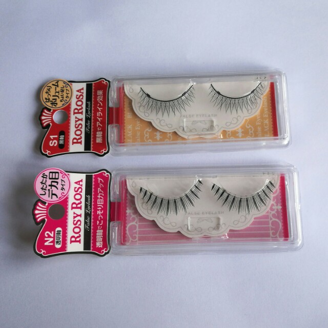 Flase lashes