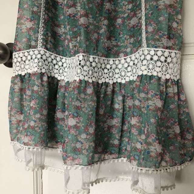 Flowery green lace top