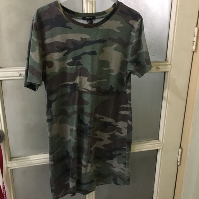 Forever 21 Camouflage Long Tee size Small