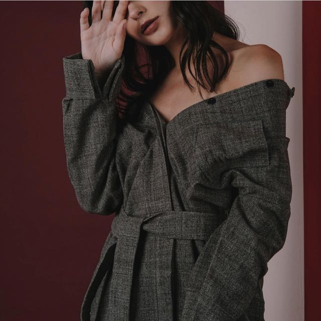 FRONT ROW tate coat