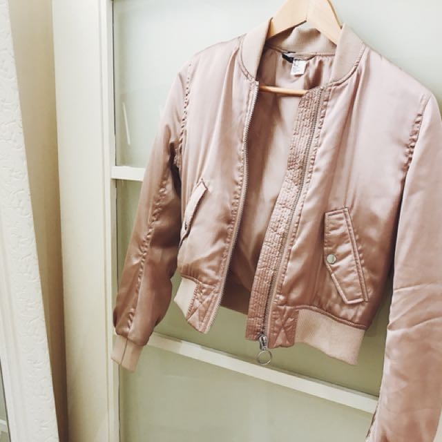 H&M cropped bomber in size 4