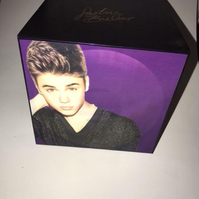 Justin Bieber girlfriend box set