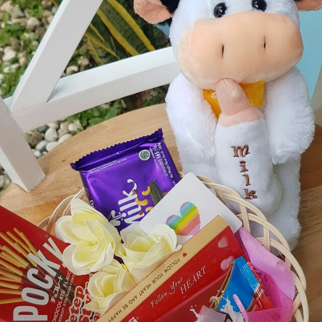 Kado/Hadiah/Hampers/Bunga/Coklat/Boneka Valentine - Cow in Love