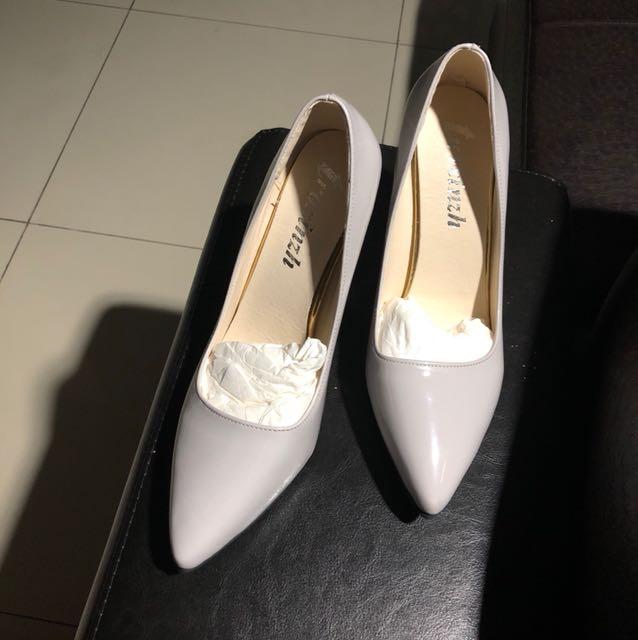 KOREAN heels size 39 abu2