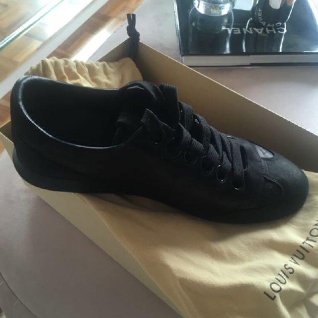 Louis Vuitton black sneakers
