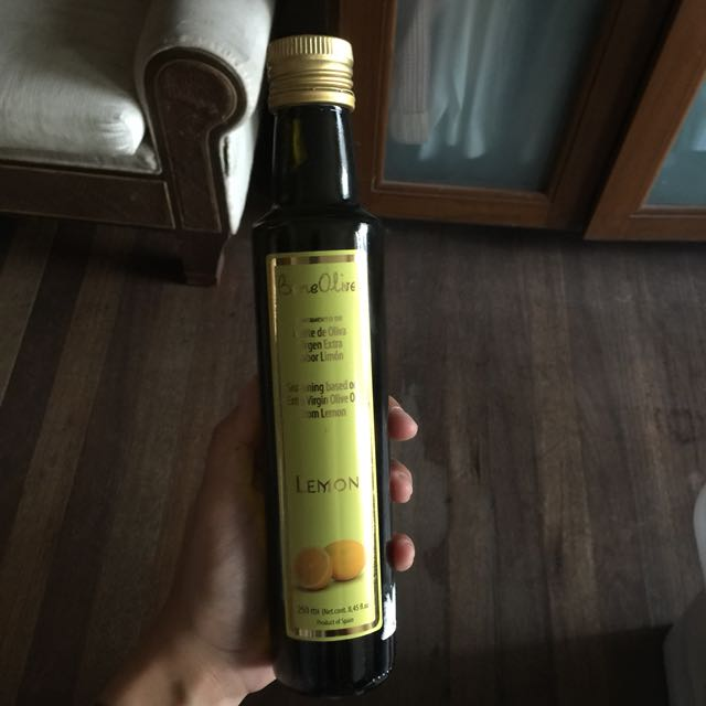 Olive Oil Infused With Lemon