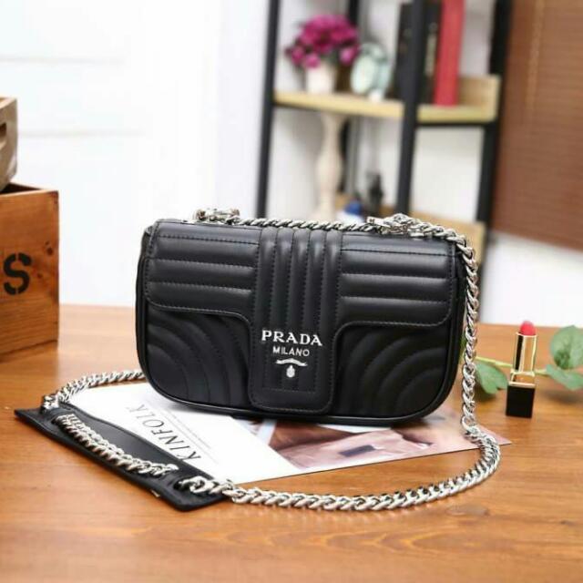 PREMIUM👍🥇🌟New Arrival Collection ! ! !🌟 Prada Diagramme Leather  Shoulder Bag👜 f2c292d01819a