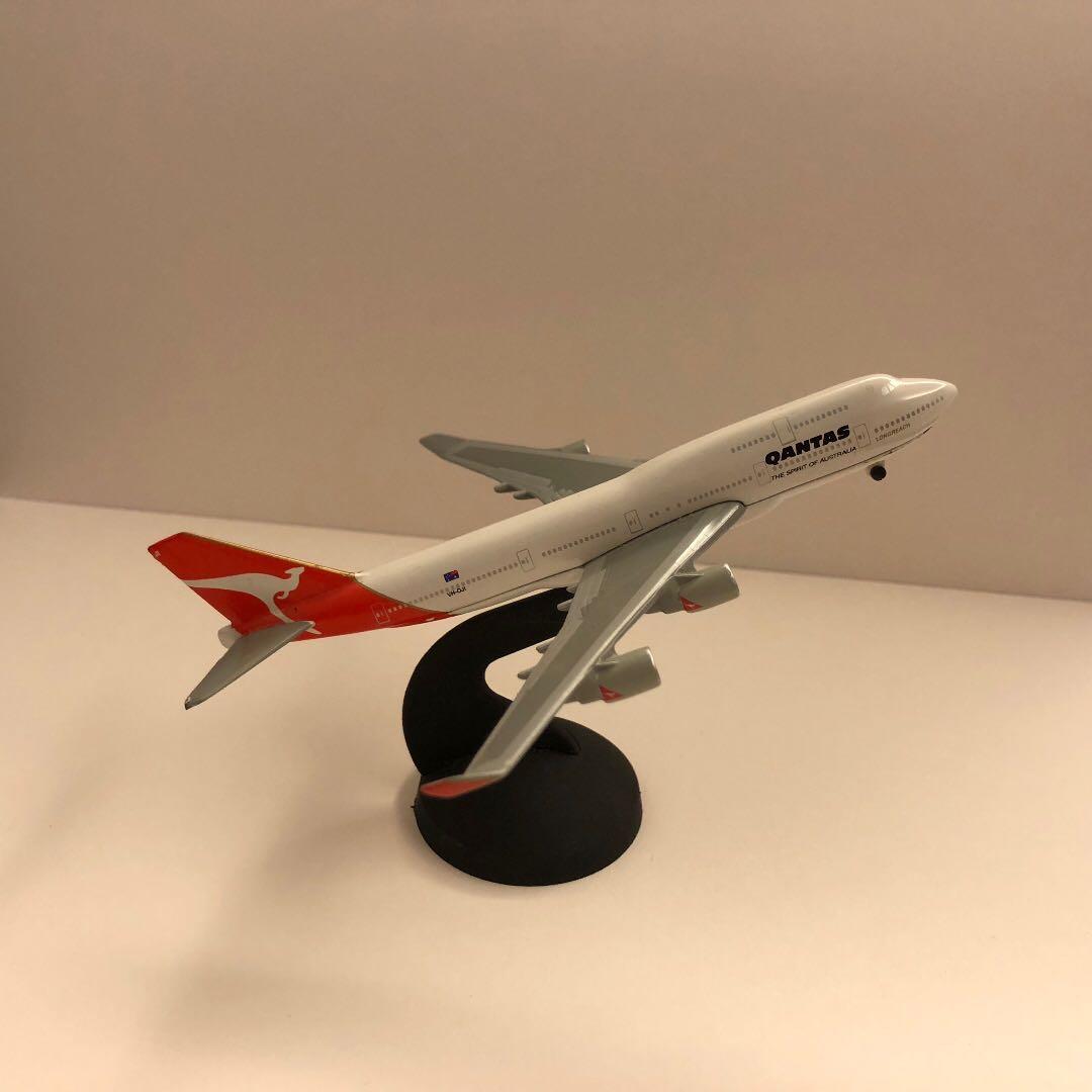 Qantas B-747 Aircraft Plane Model, Toys & Games, Toys on Carousell