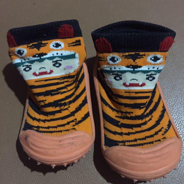 Sepatu prewalker skidDers