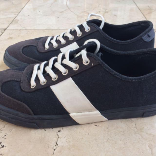 Sepatu zara original sneakers very good condition cc57f7ed4d