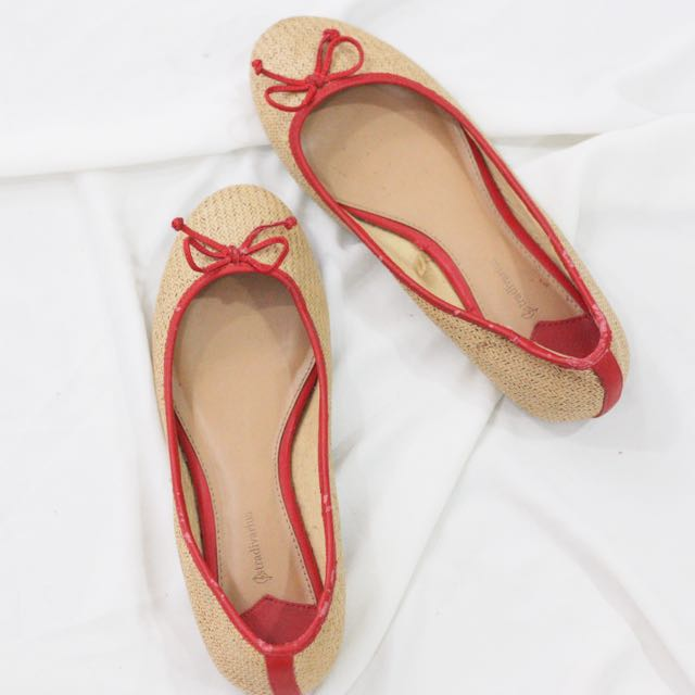 Stardivarius Flat Shoes