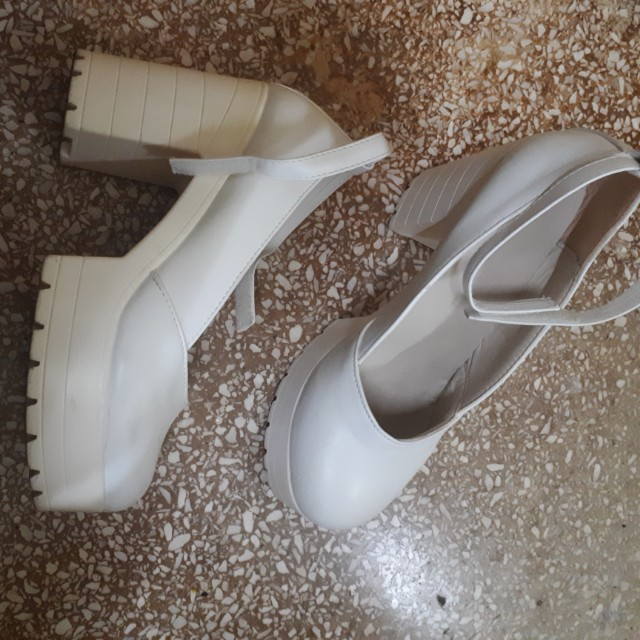 Stylenanda white shoes