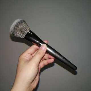 BH Cosmetics Vegan Large Powder Brush V1
