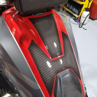 3D Gel Dome Carbon Fiber Tank Decal