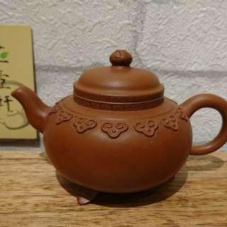 🚚 早期紫砂壺,三足雲肩壺、吳小華