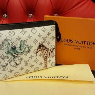 Louis Vuitton Clutch premium