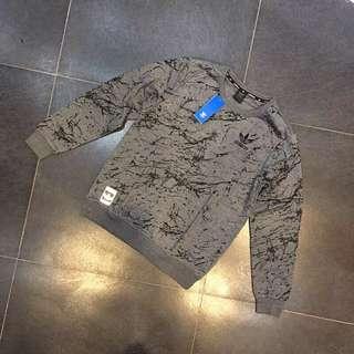 Adidas 2色