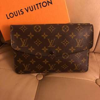 LV clutch crossbag