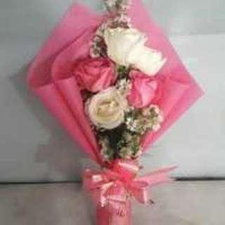 Buket Bunga Hadiah Valentine,Ulang Tahun,Wisuda,Hadiah hari Ibu,dll. Warna : Pink-Putih. Berat : 350gr.