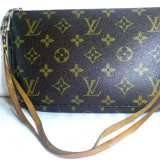Authentic LV Pouchette