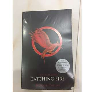 CATCHING FIRE [SUZANNE COLLINS]