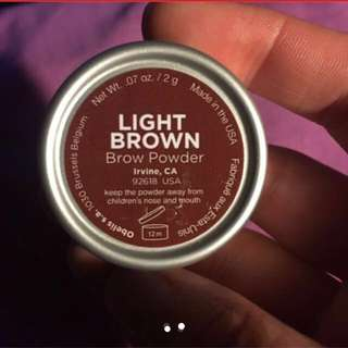 brow powder from Mecca maxima
