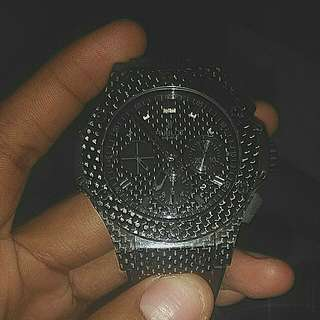 want sell watch hublot geneve with 100% fiber body