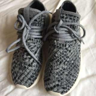 Adidas Authentic  5 1/2 size(original price 200+)NEGOTIABLE