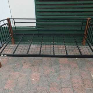 Excellent condition Day bed single metal frame for sale. Delivery