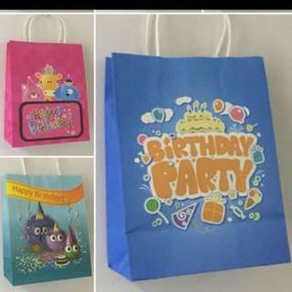 Paper carrier - happy birthday