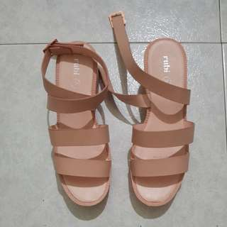 Almost BN size 39 pretty shoes