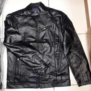 Jaket fashion semi kulit