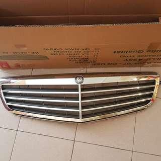 Mercedes benz orginal front grill c class w204