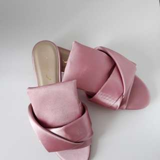 Free postage - NEW Christy Ng Jennifer Pink Pleated Shoes