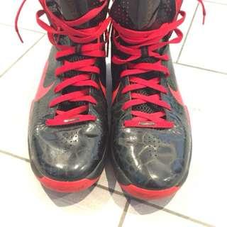 Nike Men's Basketball Shoes Size 13 US