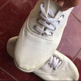 White shoes fashion