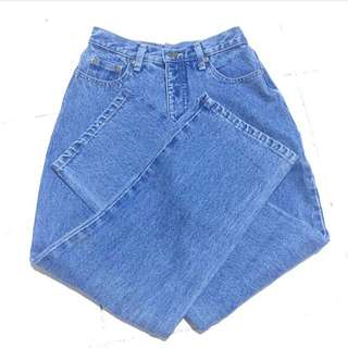 EAGLE PASS MOM JEANS