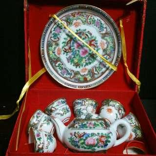 广彩薄胎茶具一套