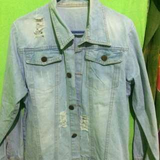 Jaket jeans (model sobek-sobek)