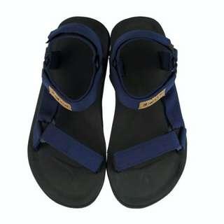 Sandal gunung golfer biru
