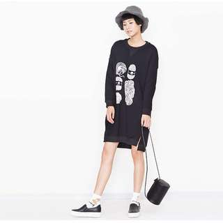 "Black ""Knit Yarn Illustration"" Oversize Dress"